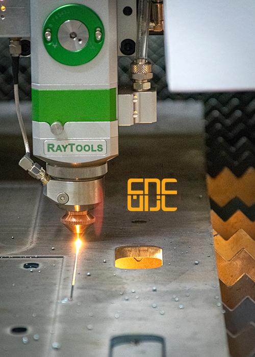 ماشین برش laser از شرکت دانش بنیان سامانه های دقیق نوین افراز یک ماشین cnc تخصصی و حرفه ای برای تولید با سرعت و کارایی بالا جهت برش لیزری فلزات با استفاده از تکنولوژی لیزر می باشد.این دستگاه برش لیزر فایبر توانایی برش انواع فلزات و آلیاژها را با سرعت ، دقت و دینامیک بالا فراهم می کند.