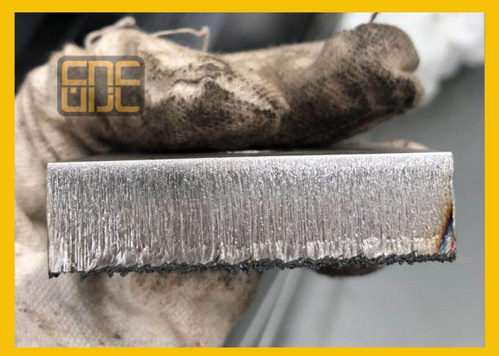 لبه های صاف ، تمیز ، یکدست در برش لیززی فلزات به وسیله ی دستگاه های پیشرفته و با دقت و انواع عیوب رایج در برش لیزر فایبر